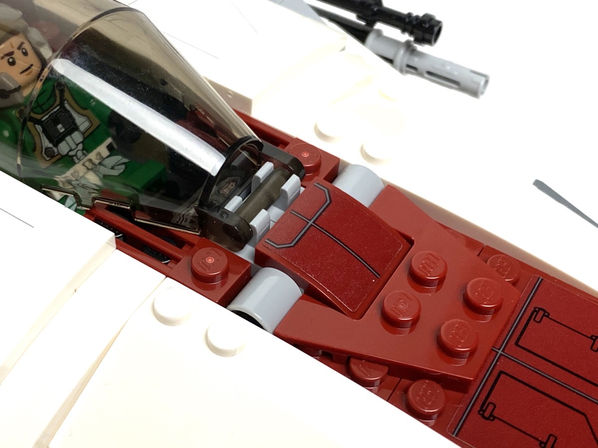 75175 A-Wing Starfighter spring loaded missile triggers